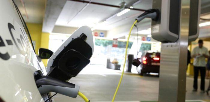 Vozači automobila na struju u Hrvatskoj se voze – besplatno!